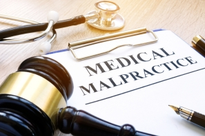 Med Malpractice gavel